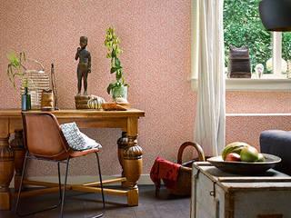 Salon Esprit 9: Paredes y suelos de estilo mediterráneo de Disbar Papeles Pintados