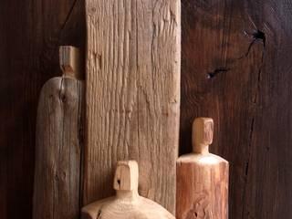 Holzbild mit aufgesetzter Figurengruppe: modern  von bernd kohl - objekte in holz und stahl,Modern