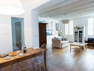 eclectic Living room by Christèle BRIER Architechniques