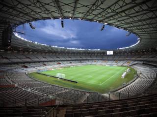 NEW MINEIRÃO: Estádios  por BCMF,Moderno