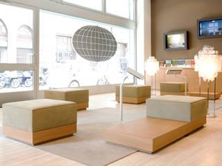 Oficinas y tiendas: Ideas, imágenes y decoración | homify de Elena e Francesco Colorni Architetti
