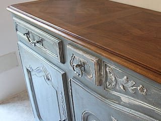 Beautiful French Painted Enfilade Made by 'Lucy Retro & Chic' von LUCY retrò & chic Klassisch