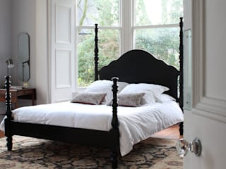 The Kingston Four Poster Bed: colonial  by TurnPost, Colonial