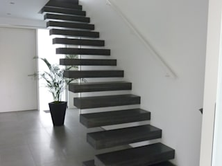 Corridor, hallway & stairs by Harr Betondesign