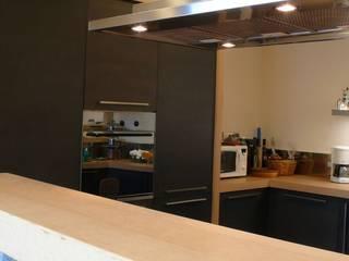 Nhà: thiết kế nội thất · bố trí · ảnh bởi Gnosis Architettura Società Cooperativa