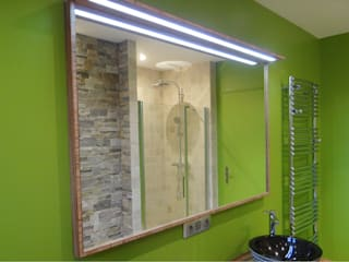 Modern Bathroom by UN AMOUR DE MAISON Modern