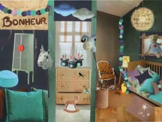 planche d'inspiration poétique et fantaisiste pour une chambre d'enfant de 12m²:  de style  par Nelly Pansier Décoratrice d'Intérieurs