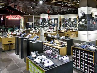 BATA - Shoes shop by Ni.va. Srl Сучасний
