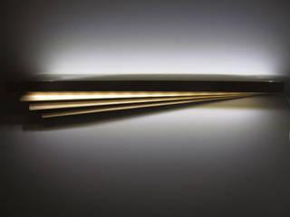 Narcissus Light: Camera da letto in stile in stile Eclettico di KIMXGENSAPA