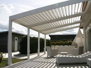 The BIOCLIMATIC Pergola by SOLISYSTEME Oleh SOLISYSTEME Modern