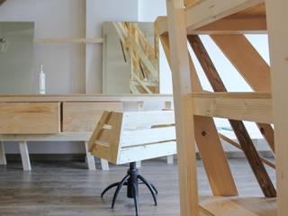 A Catanzaro tirava forte il vento - Salone di bellezza Negozi & Locali commerciali in stile scandinavo di DettoFatto Lab Scandinavo