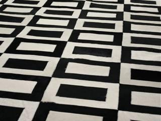 Natural leather and fur rugs de Miyabi casa