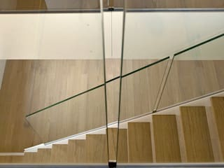 Staircase - private house by Ni.va. Srl Сучасний