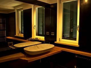 Bathroom by deltastudio, Industrial