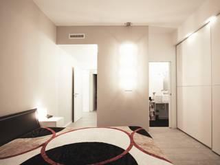 Apartment IN: Terrazza in stile  di Marco Quagliatini - Estro Group