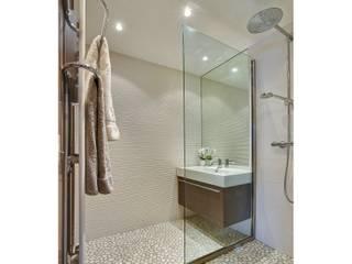 Casas de banho  por Atelier Rémy Giffon, Moderno