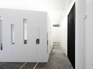 Studio 211:  Bürogebäude von marc benjamin drewes ARCHITEKTUREN,Industrial
