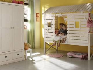 Alta Baumhaus und Strandhaus Bett, in 10 Farben erhältlich von homify Klassisch