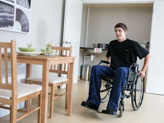 Ashbrook Neuro Rehabilitation: modern  by Pride Road, Modern