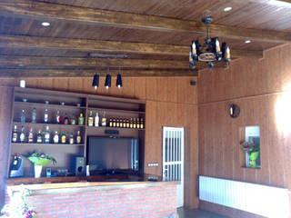 RUSTILUZ Bar & Klub Gaya Rustic