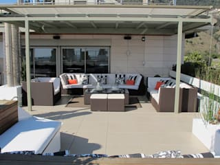 Sky terrace Deck & Patio: Design Ideas and Pictures by CONILLAS - exteriors