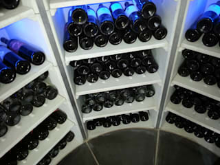 The Circular Cellar Ruang Penyimpanan Wine/Anggur Modern Oleh Stone Cellar Company Modern