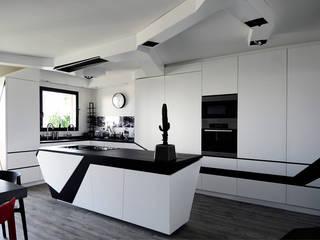 Kitchen by Agence Glenn Medioni