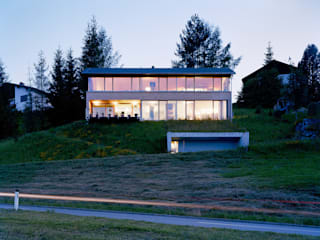 Dietrich | Untertrifaller Architekten ZT GmbH Country style house