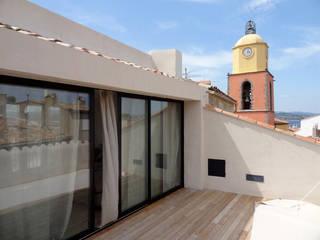 Maison de village à Saint-Tropez Terrasse par Casa Architecture