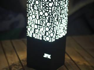 Lampada JFK:  in stile  di MakeTank Srl