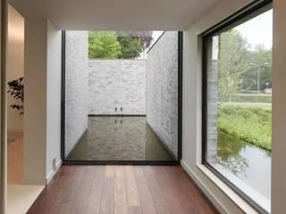 Villa im Grüne Moderne Pools von Ecologic City Garden - Paul Marie Creation Modern