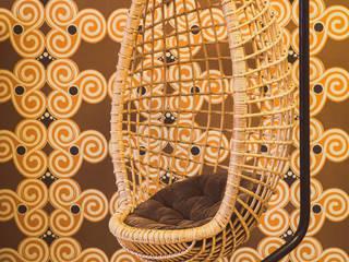 Oude rotan egg chair:   door Swiet