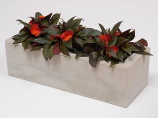 Blumenpflanzkübel aus Beton:   von BETONIU GmbH