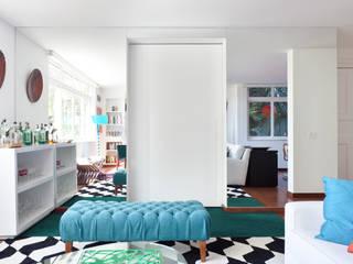 Projeto Amauri: Quartos  por Suite Arquitetos,Moderno