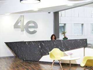 4E de México: Edificios de Oficinas de estilo  por Oxígeno Arquitectura