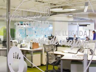 4E de México: Oficinas y tiendas de estilo  por Oxígeno Arquitectura