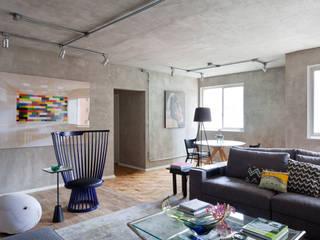 Wohnzimmer von Suite Arquitetos