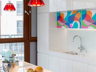 Cucina moderna di MATELIER Moderno