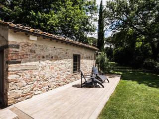 Mediterranean style garden by Miidesign Mediterranean