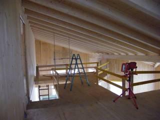 Consulenza/Progettazione per 'CasaClima Classe A'. Umbria, Perugia: Soggiorno in stile  di Studio Architetti Cornacchini - De Boni