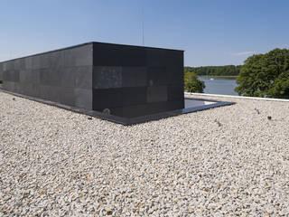 MOBIUS ARCHITEKCI PRZEMEK OLCZYK Rumah Modern