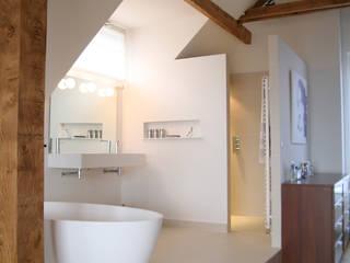 Salle de Bains Contemporaine: Salle de bains de style  par Chiara Colombini