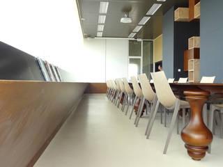 ESPACE REUNION DOCUMENTATION BORDEAUX METROPOLE: Bureaux de style  par l.ink