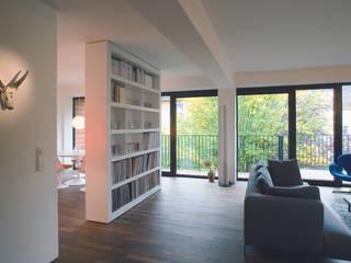 Bogenallee Wohnen [+] Moderne Wohnzimmer von blauraum architekten Modern