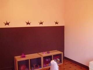 Chambre d'enfant: peinture: Chambre d'enfant de style de style Moderne par DK2DECO