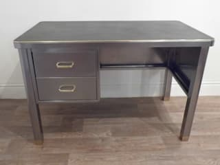 Vintage Industrial Desk Travers Antiques GabineteEscrivaninhas
