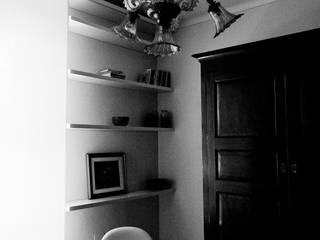 Franca's apartment Case moderne di tomaso cavalli Moderno
