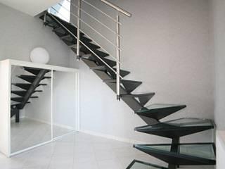 Escaliers en verre:  de style  par Amibois