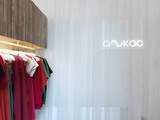 Anukoo Fair Fashion Shop:  Geschäftsräume & Stores von Atelier Heiss Architekten