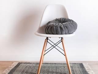 Silla DSW Style:  de estilo  de Decoratualma